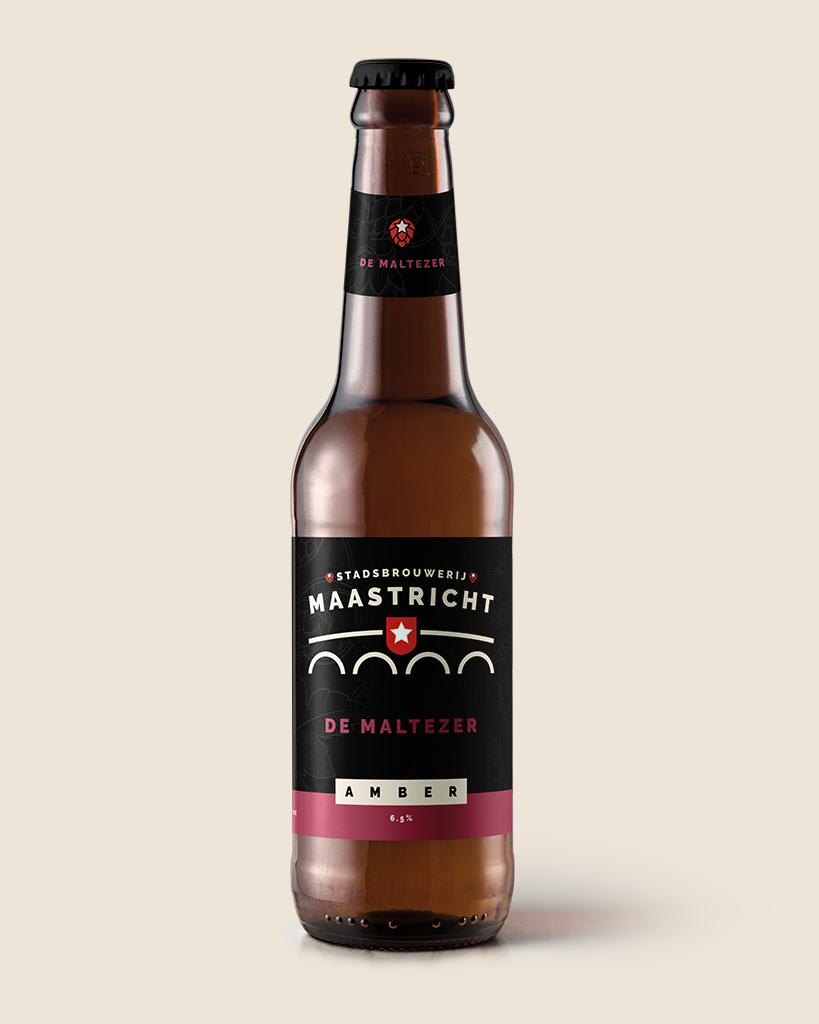 de-maltezer-amber-dortmunder-speciaalbier-stadsbrouwerij-maastricht-met-achtergrond