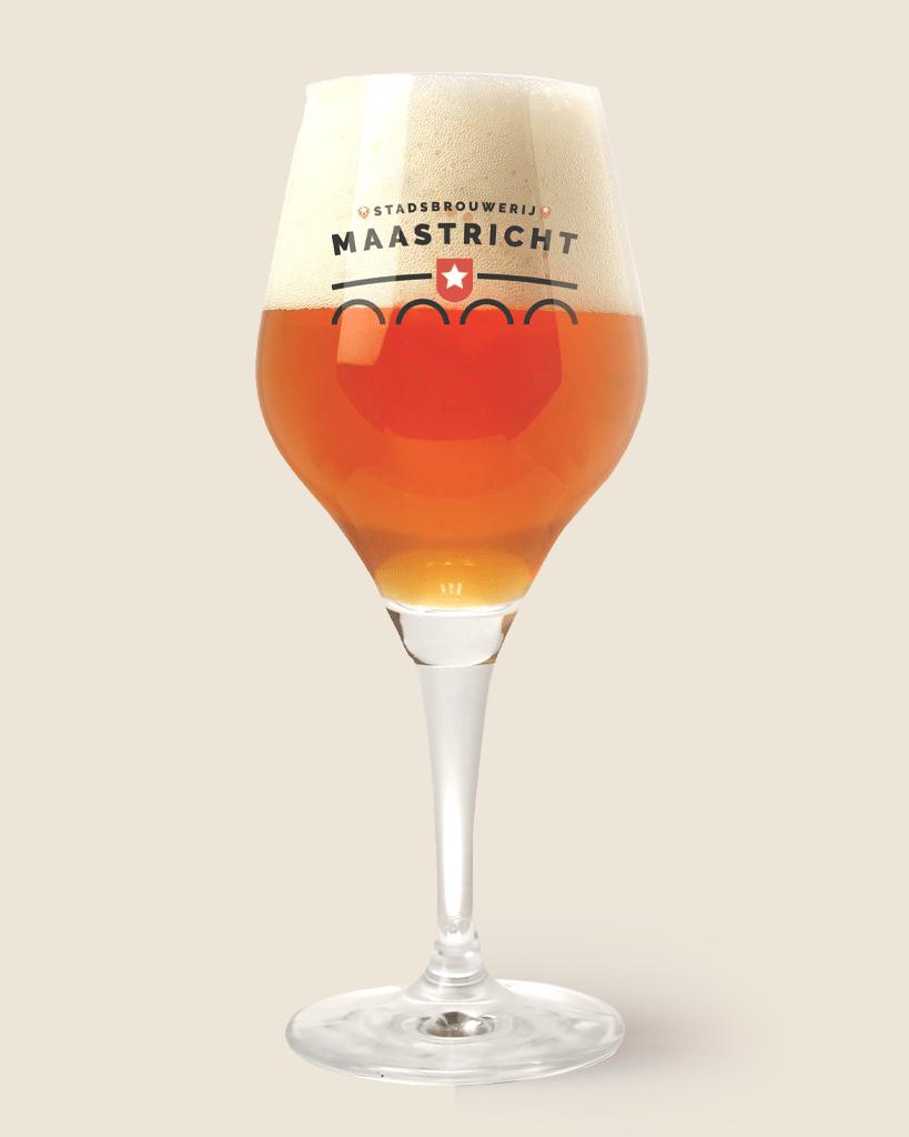 Stadsbrouwerij-Maastricht-bier-819×1024-in-glas-BEER2